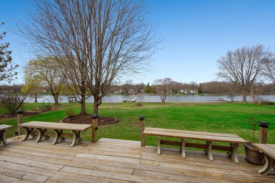 Real Estate Photography - 552 Welch Cir, Lake Barrington, IL, 60010 - Back Yard