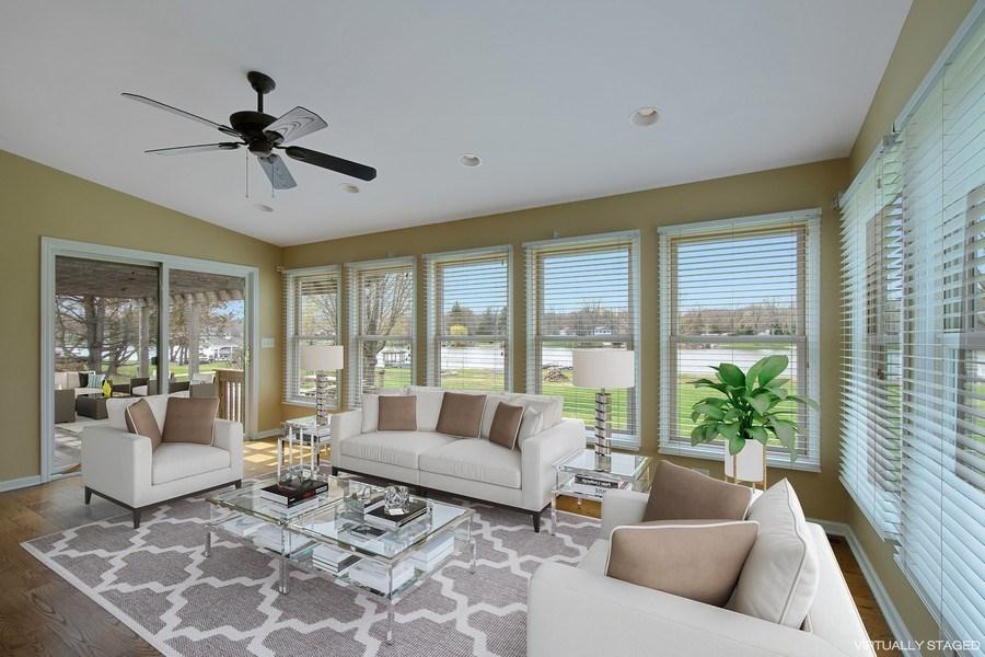 Real Estate Photography - 552 Welch Cir, Lake Barrington, IL, 60010 - Breakfast Area