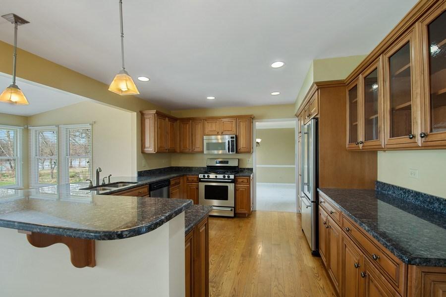 Real Estate Photography - 552 Welch Cir, Lake Barrington, IL, 60010 - Kitchen