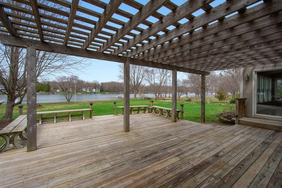 Real Estate Photography - 552 Welch Cir, Lake Barrington, IL, 60010 - Deck