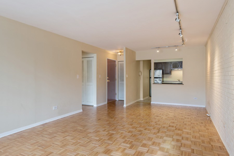 Real Estate Photography - 644 Arlington, 2G, Chicago, IL, 60614 - Living Room