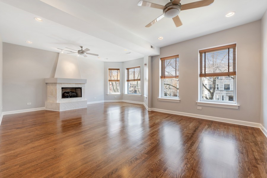 Real Estate Photography - 4921 N Winthrop, Unit 2S, Chicago, IL, 60640 - Living Room