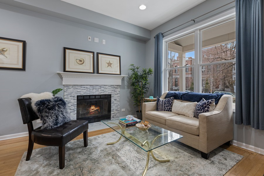 Real Estate Photography - 3645 N Wayne, Unit A, Chicago, IL, 60613 - Living Room
