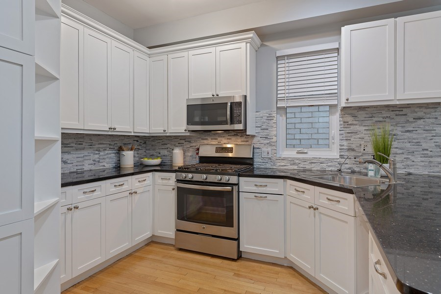 Real Estate Photography - 3645 N Wayne, Unit A, Chicago, IL, 60613 - Kitchen