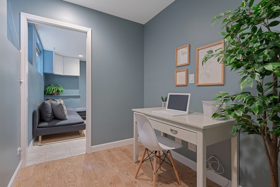 Real Estate Photography - 3645 N Wayne, Unit A, Chicago, IL, 60613 - Office