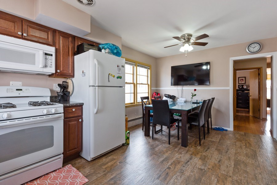 Real Estate Photography - 6055 N Sauganash, Chicago, IL, 60646 - Kitchen