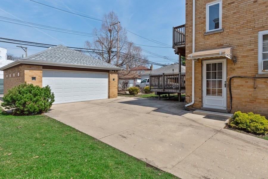 Real Estate Photography - 6055 N Sauganash, Chicago, IL, 60646 - Garage