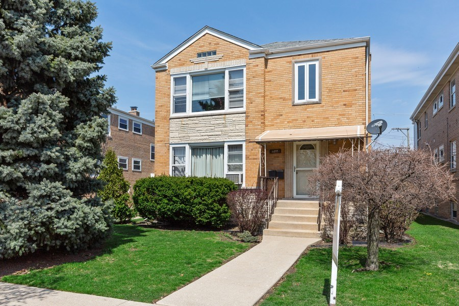 Real Estate Photography - 6055 N Sauganash, Chicago, IL, 60646 - Front View