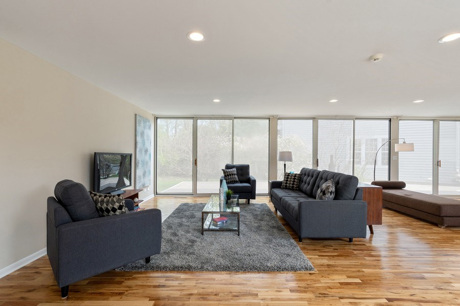 Real Estate Photography - 1985 McCraren Rd, Highland Park, IL, 60035 - Great Room