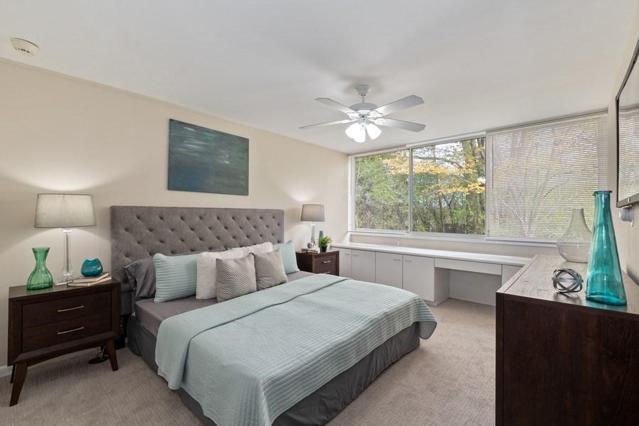 Real Estate Photography - 1985 McCraren Rd, Highland Park, IL, 60035 - Master Bedroom