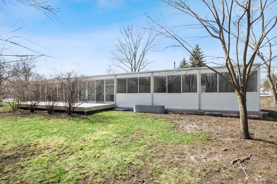 Real Estate Photography - 1985 McCraren Rd, Highland Park, IL, 60035 - Back Yard