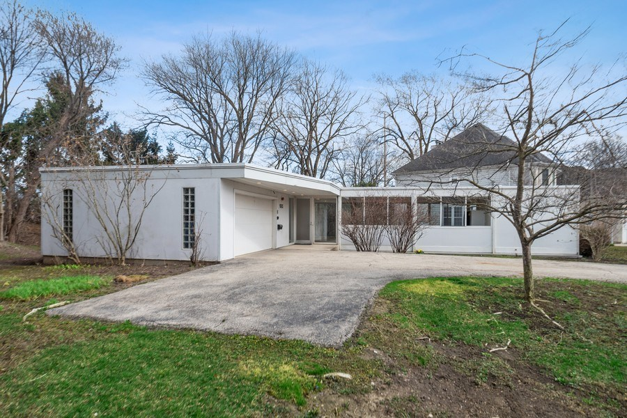 Real Estate Photography - 1985 McCraren Rd, Highland Park, IL, 60035 - Front View