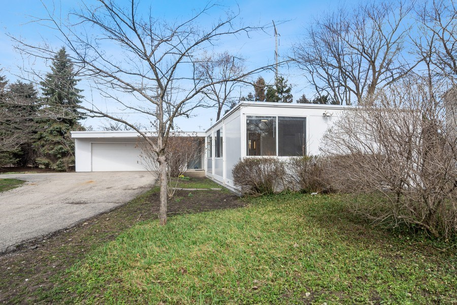 Real Estate Photography - 1985 McCraren Rd, Highland Park, IL, 60035 - Front View 2