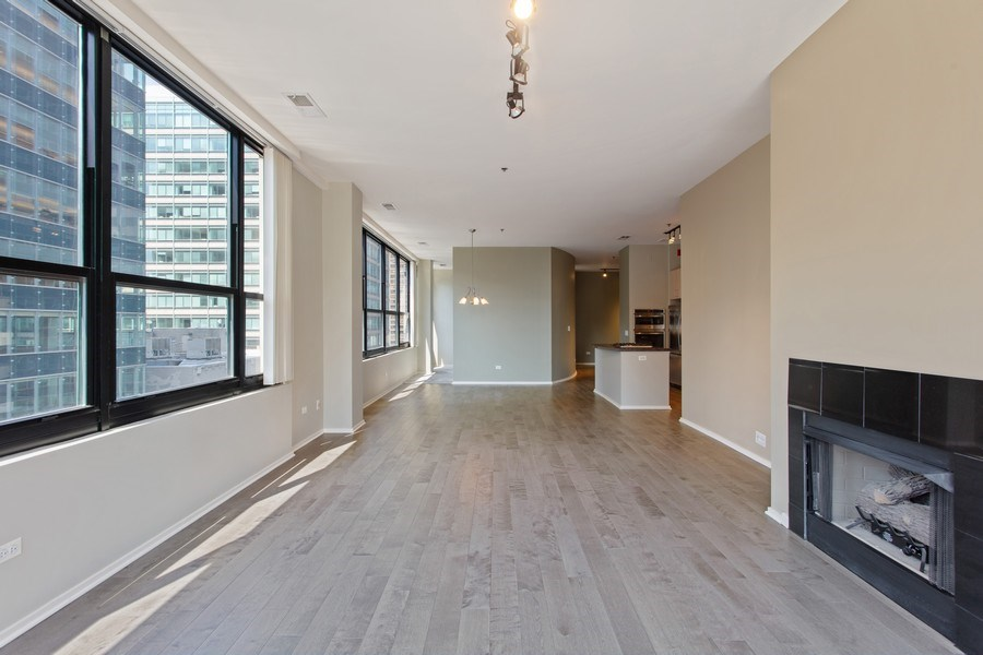 Real Estate Photography - 130 S Canal St, Unit 803, Chicago, IL, 60606 - Living Room