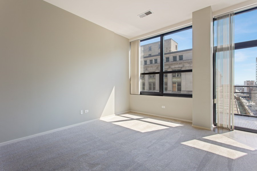 Real Estate Photography - 130 S Canal St, Unit 803, Chicago, IL, 60606 - Master Bedroom