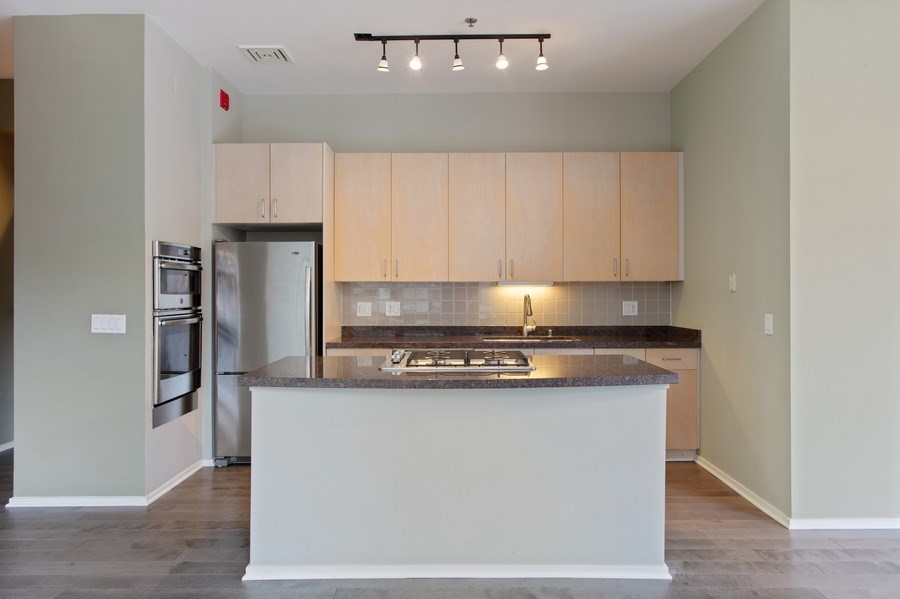 Real Estate Photography - 130 S Canal St, Unit 803, Chicago, IL, 60606 - Kitchen