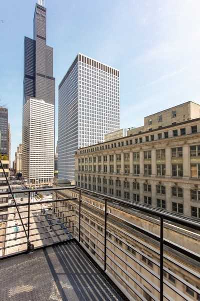 Real Estate Photography - 130 S Canal St, Unit 803, Chicago, IL, 60606 - Balcony View