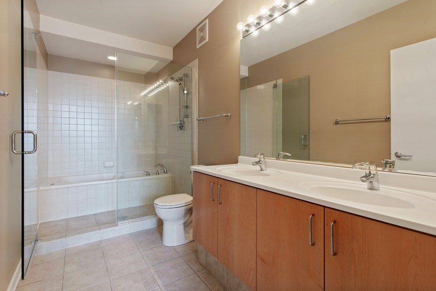 Real Estate Photography - 130 S Canal St, Unit 803, Chicago, IL, 60606 - Master Bath