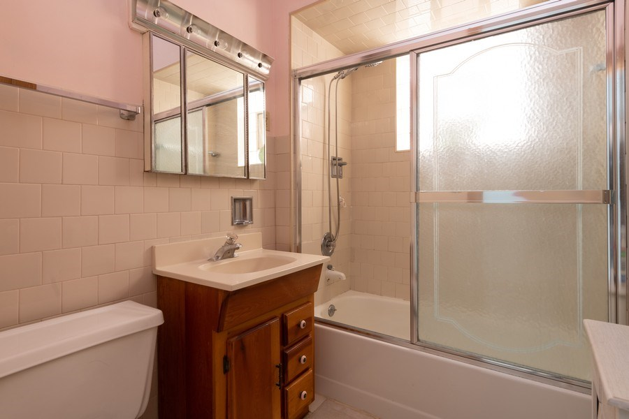 Real Estate Photography - 2212 W. Addison Street, Chicago, IL, 60618 - Bathroom
