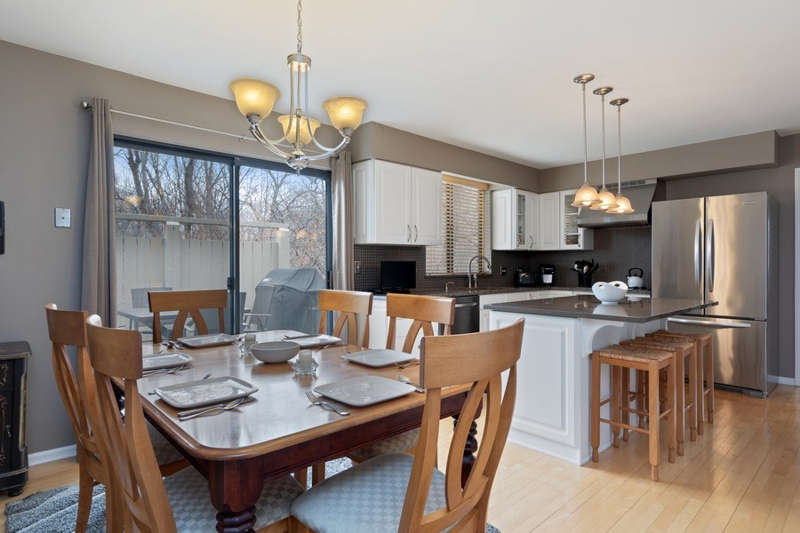 Real Estate Photography - 233 N Bay Ct., Lake Barrington, IL, 60010 - Kitchen / Breakfast Room