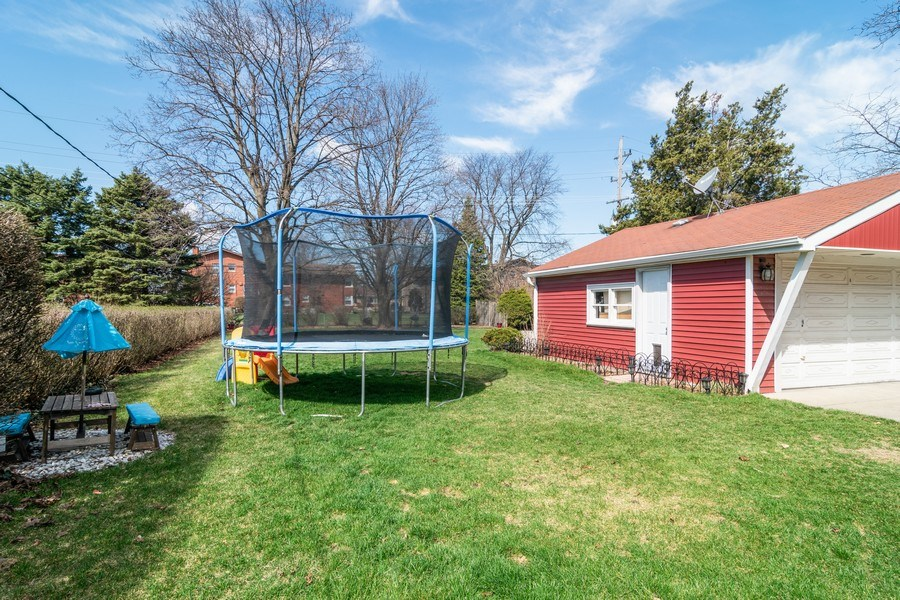 Real Estate Photography - 1352 Westchester Blvd, Westchester, IL, 60154 - Back Yard