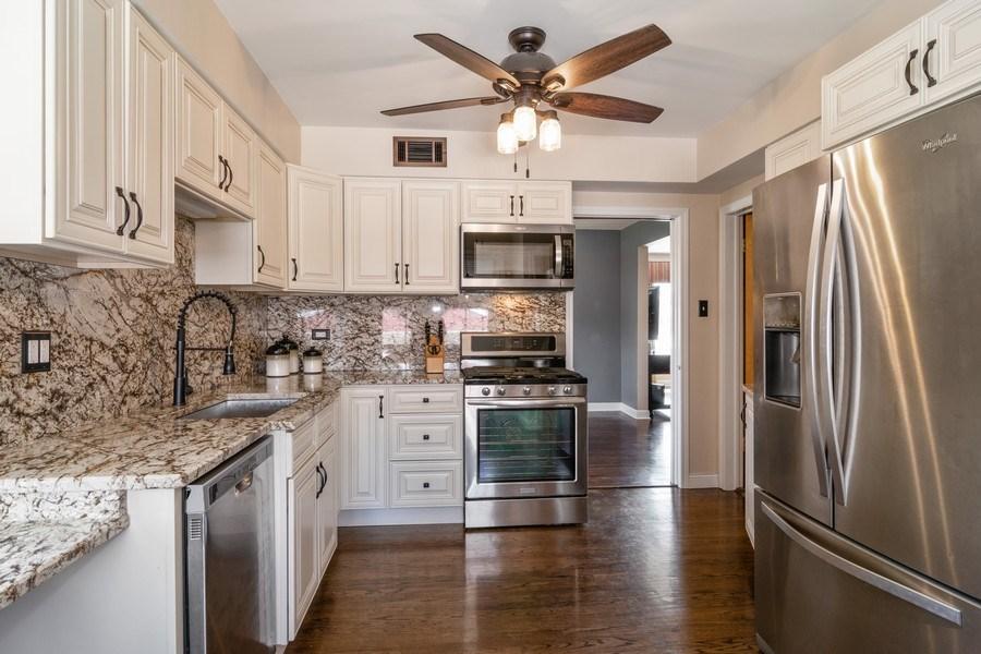 Real Estate Photography - 1352 Westchester Blvd, Westchester, IL, 60154 - Kitchen