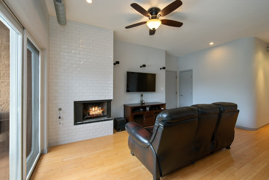 Real Estate Photography - 2136 W. Evergreen Ave., Unit 2B, Chicago, IL, 60622 - Living Room