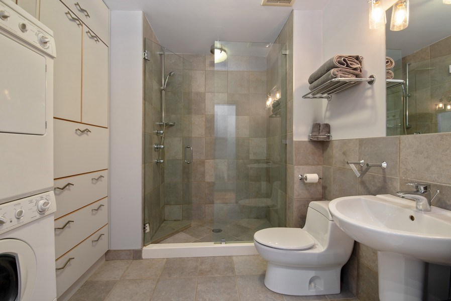 Real Estate Photography - 2136 W. Evergreen Ave., Unit 2B, Chicago, IL, 60622 - Second Bathroom