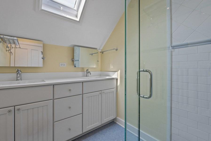 Real Estate Photography - 523 Essex, Kenilworth, IL, 60043 - 4th Bathroom