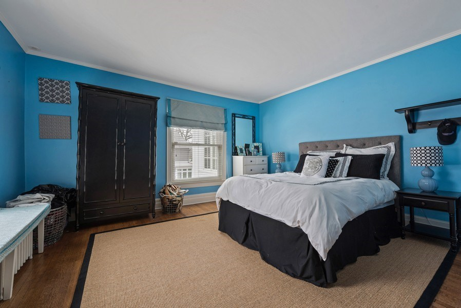 Real Estate Photography - 523 Essex, Kenilworth, IL, 60043 - Guest Bedroom