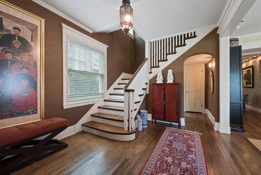 Real Estate Photography - 523 Essex, Kenilworth, IL, 60043 - Foyer