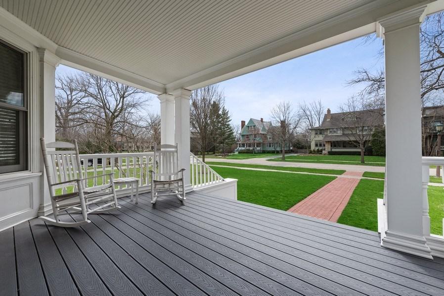 Real Estate Photography - 523 Essex, Kenilworth, IL, 60043 - Porch