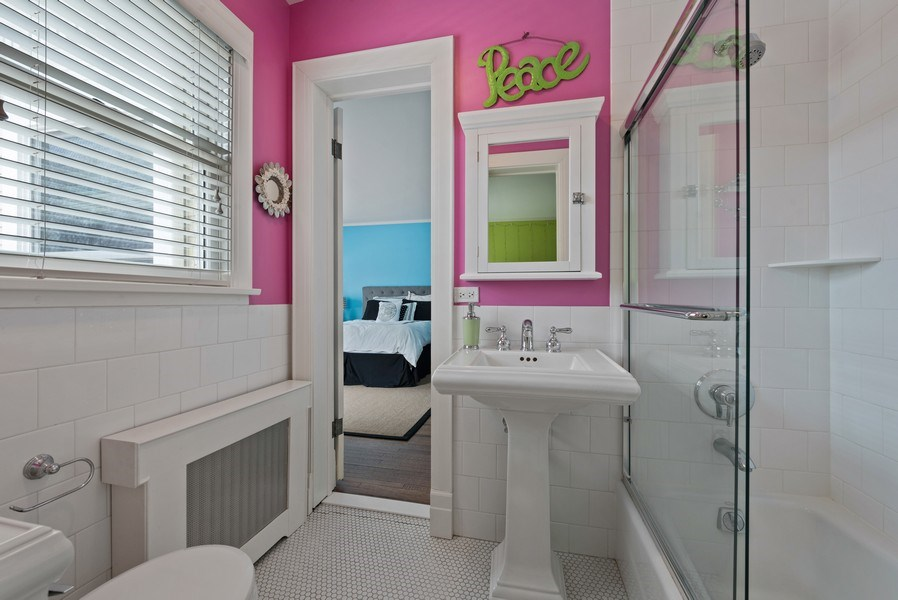 Real Estate Photography - 523 Essex, Kenilworth, IL, 60043 - 2nd Bathroom