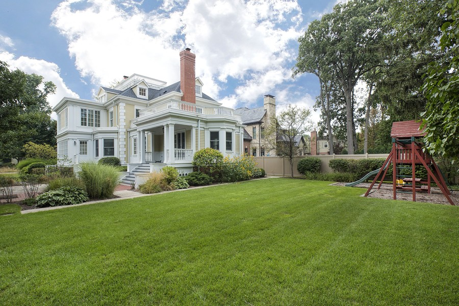 Real Estate Photography - 523 Essex, Kenilworth, IL, 60043 -