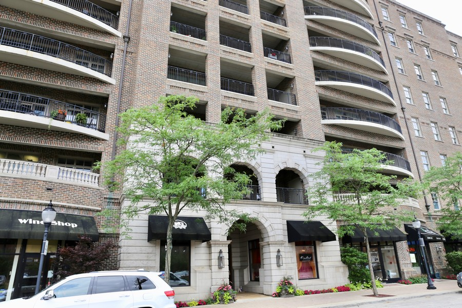 Real Estate Photography - 151 Wing St #309, Arlington Heights, IL, 60005 -