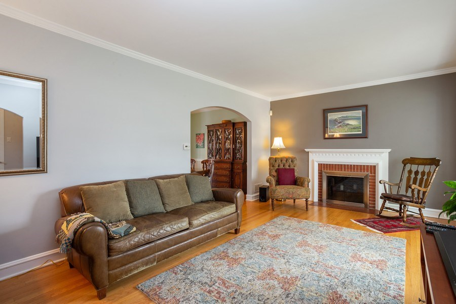 Real Estate Photography - 543 S Dunton Ave, Arlington Heights, IL, 60005 - Living Room