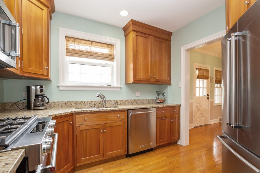 Real Estate Photography - 543 S Dunton Ave, Arlington Heights, IL, 60005 - Kitchen