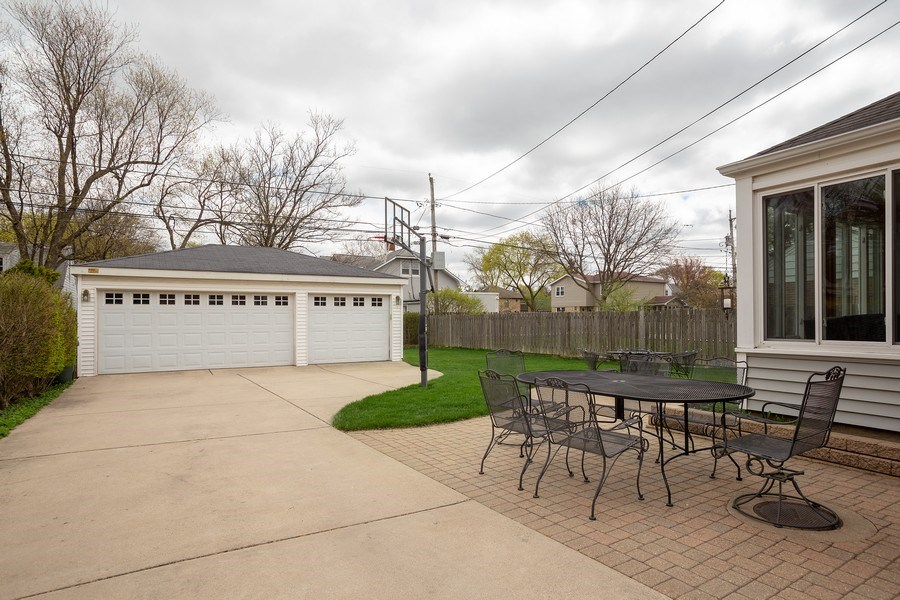 Real Estate Photography - 543 S Dunton Ave, Arlington Heights, IL, 60005 - Garage