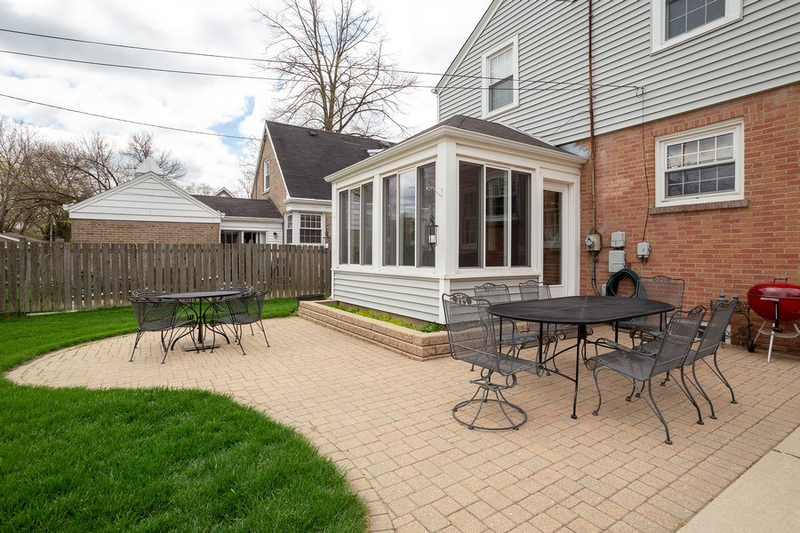 Real Estate Photography - 543 S Dunton Ave, Arlington Heights, IL, 60005 - Patio