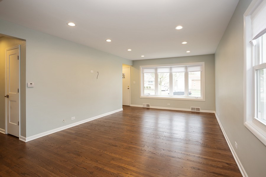 Real Estate Photography - 821 N Patton Ave, Arlington Heights, IL, 60004 - Living Room