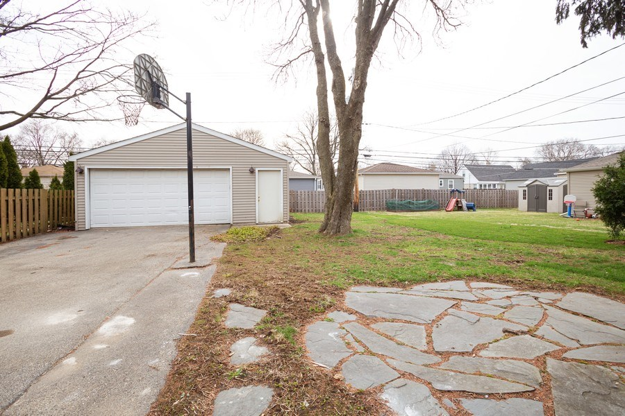 Real Estate Photography - 821 N Patton Ave, Arlington Heights, IL, 60004 - Back Yard
