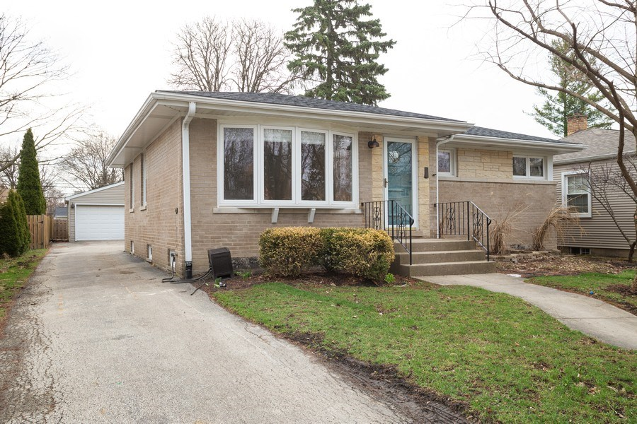 Real Estate Photography - 821 N Patton Ave, Arlington Heights, IL, 60004 - Front View