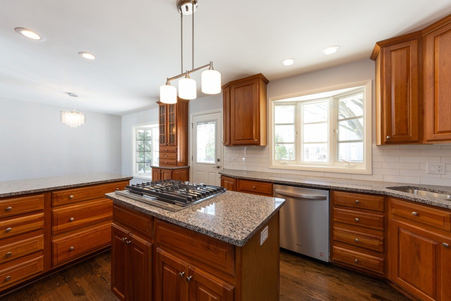 Real Estate Photography - 509 Knobhill, arlington Heights, IL, 60004 - Kitchen