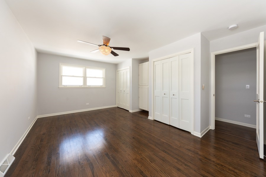 Real Estate Photography - 509 Knobhill, arlington Heights, IL, 60004 - Master Bedroom