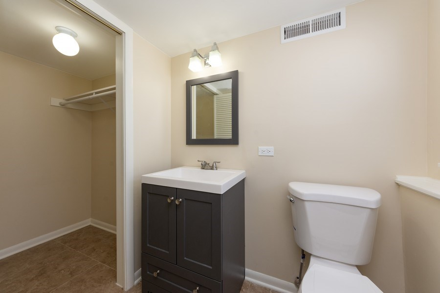 Real Estate Photography - 509 Knobhill, arlington Heights, IL, 60004 - Powder Room