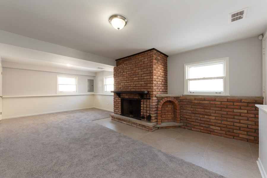 Real Estate Photography - 509 Knobhill, arlington Heights, IL, 60004 - Family Room