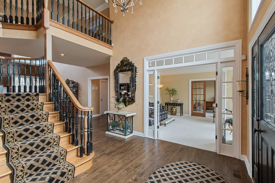 Real Estate Photography - 930 Lakewood Drive, Barrington, IL, 60010 - Foyer/Living Room