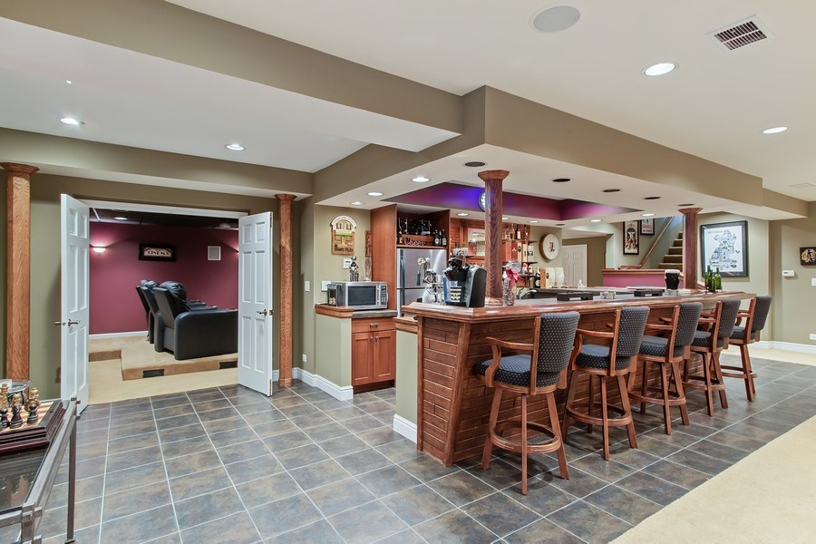Real Estate Photography - 930 Lakewood Drive, Barrington, IL, 60010 - A Great Start to Movie Night!