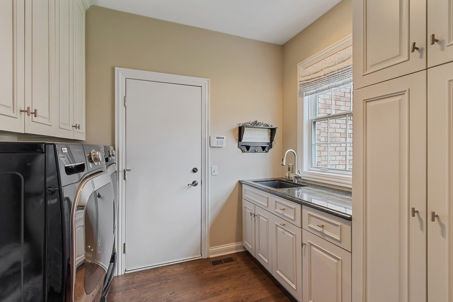 Real Estate Photography - 930 Lakewood Drive, Barrington, IL, 60010 - Laundry/Mudroom