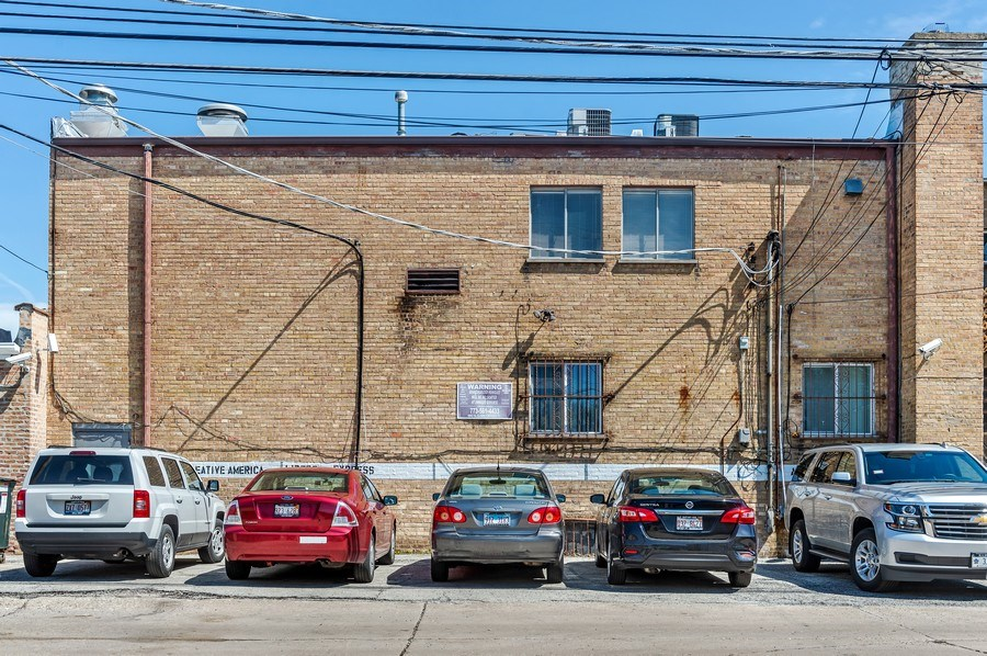 Real Estate Photography - 5850 N Lincoln Ave, Chicago, IL, 60659 - Rear View